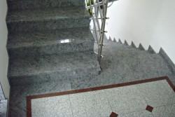 "notranje stopnice granit ""orissa blue"""