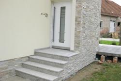 "stopnice granit ""bianco sardo žgan"", fasada dekorativni kamen ""peščen"""