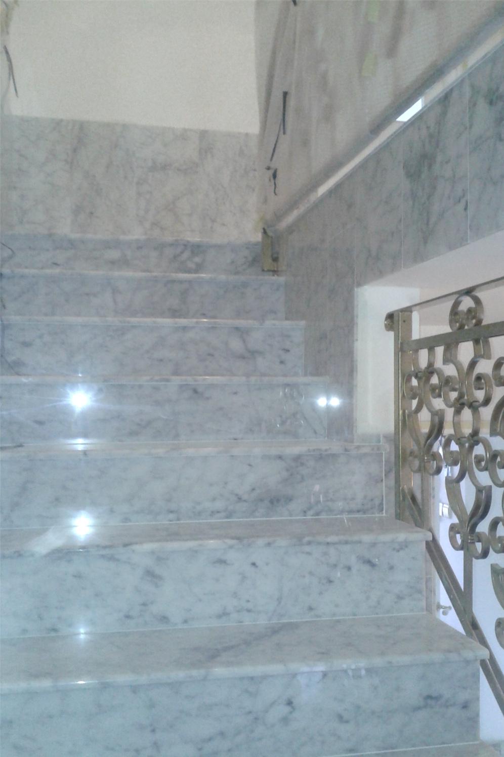 notranje stopnice marmor bianco carrara kamnose tvo marmor granit rn ec. Black Bedroom Furniture Sets. Home Design Ideas